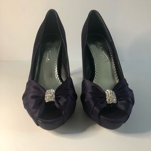 6.5 Michaelangelo purple beaded sparkle heels